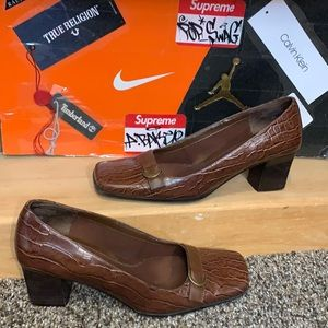 EASY SPIRIT-'HERS N THESE' SMART SHOE leather heel